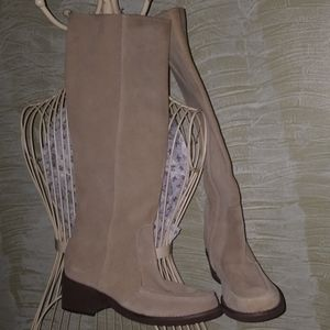 Kenneth Cole reaction tan suede boots